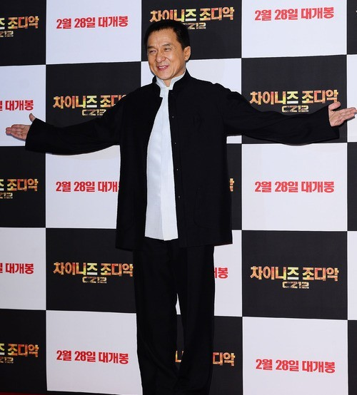 ¿Jackie Chan fundará su propio grupo K-pop? 2013
