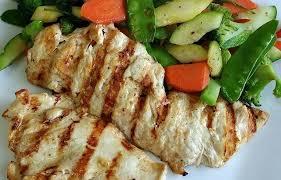 Como cocinar al grill pollo, pescado y ternera